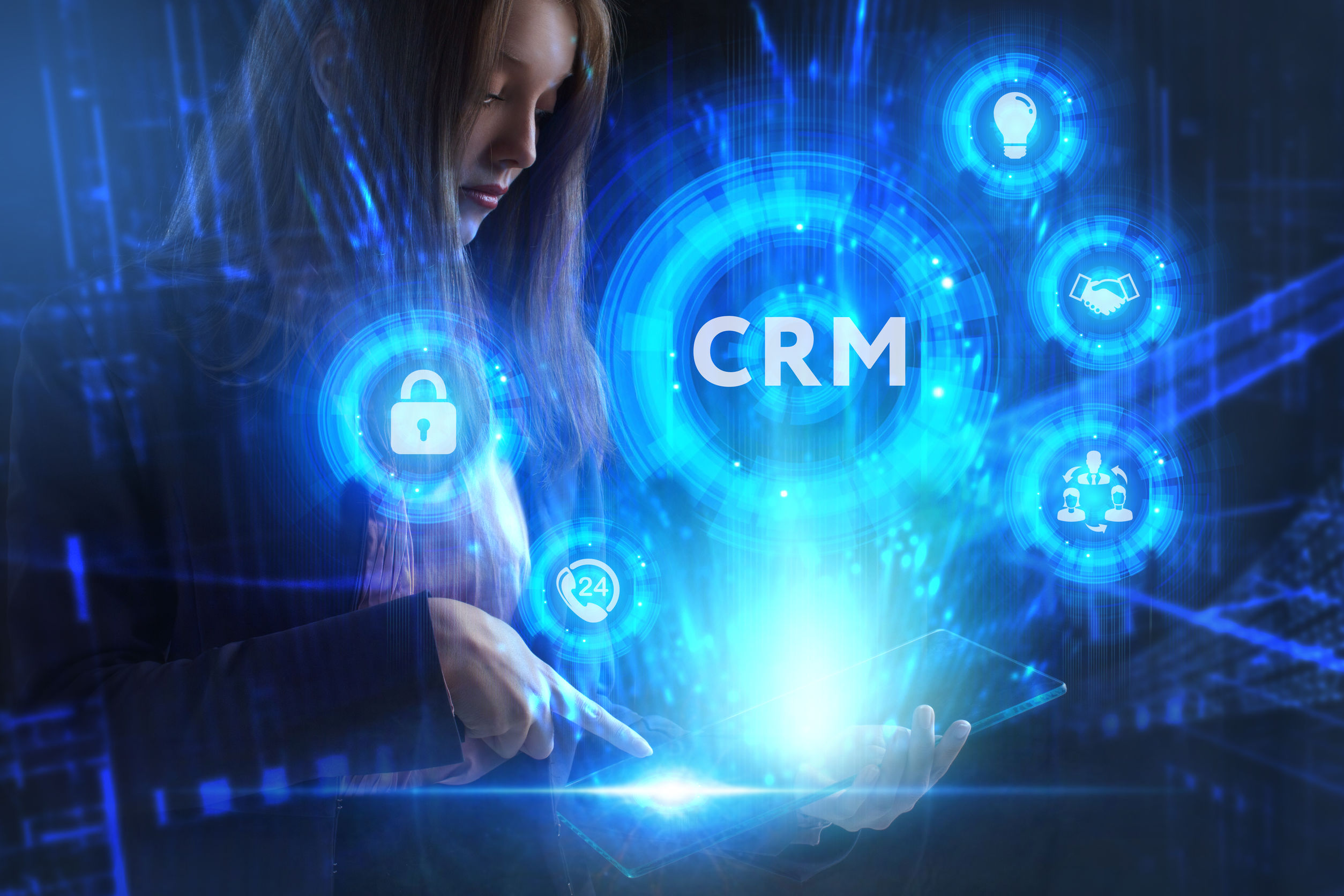 Deliver an Exceptional Customer Experience with These Key CRM Features